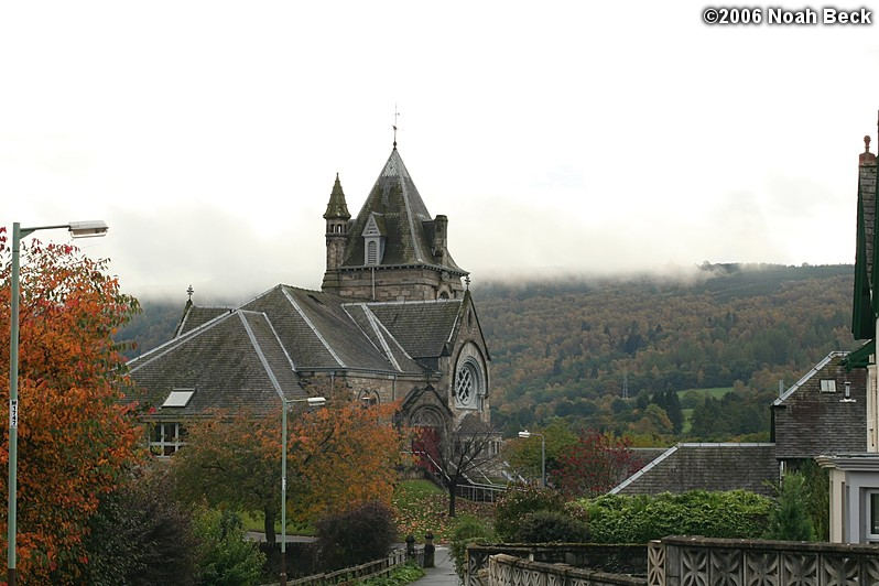 October 21, 2006: Walking down from the Moulin Hotel toward the center of Pitlochry.